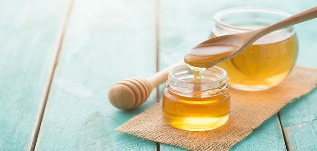 فوائد أكل عسل النحل على الريق